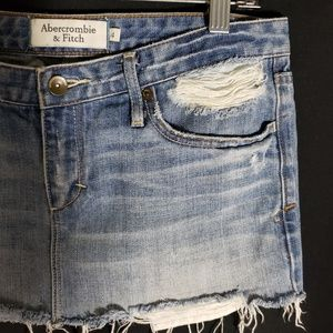 Abercrombie & Fitch Denim Blue Frayed Skirt Size 4